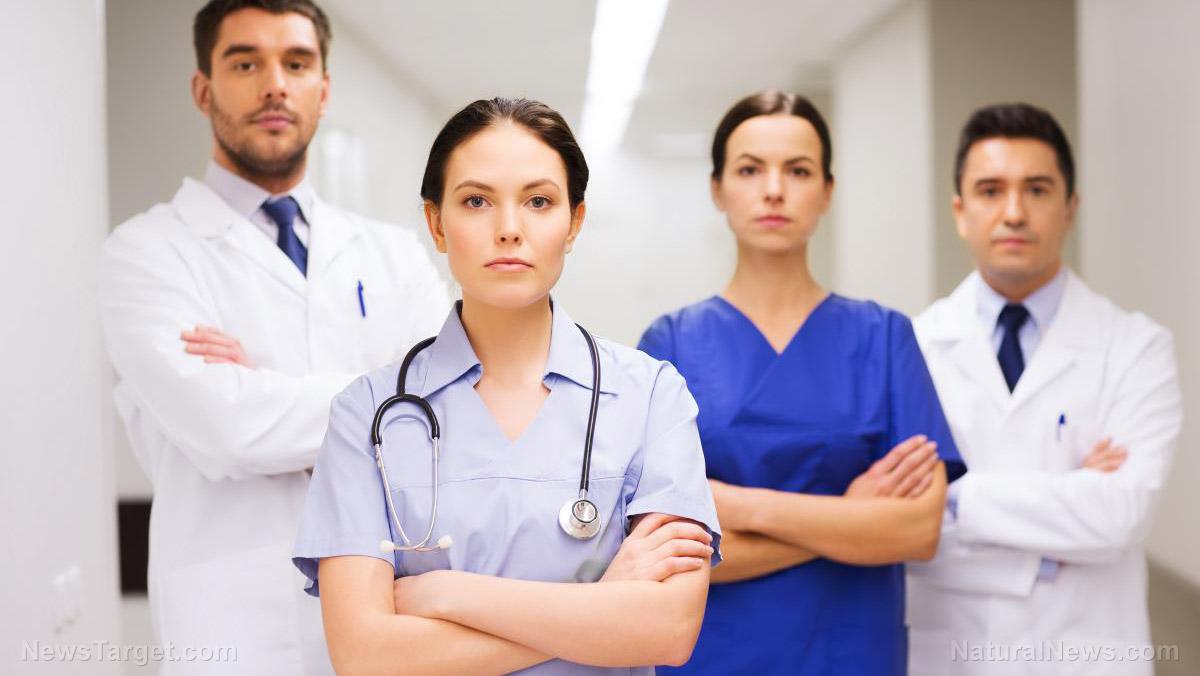 """Mainstream-Ärzte weigern sich, geimpfte Patienten zu behandeln, weil sie nicht in """"kontroverse"""" Diagnosen verwickelt werden wollen"""